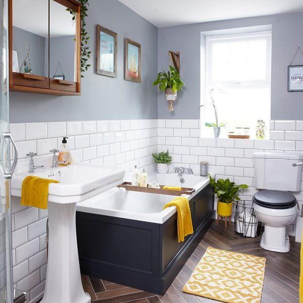 Phòng vệ sinh cần kín đáo và thông gió thoát khí tốt